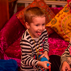 Заказать анаматоров ребенку Ясеневая улица визитки образцы детский праздник